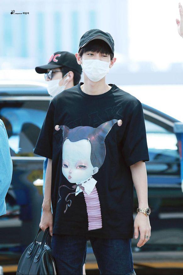 Chanyeol | 150717 Incheon Airport departing for Beijing