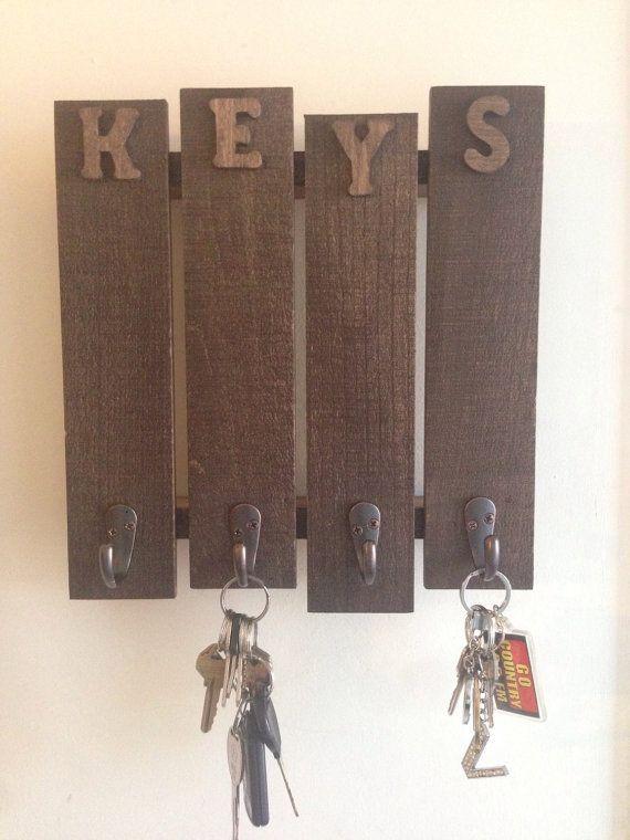 Rustic Pallet Key Hanger