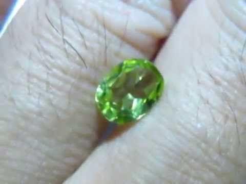 Batu Permata Natural Peridot Green Oval Cut 1.10 Carat