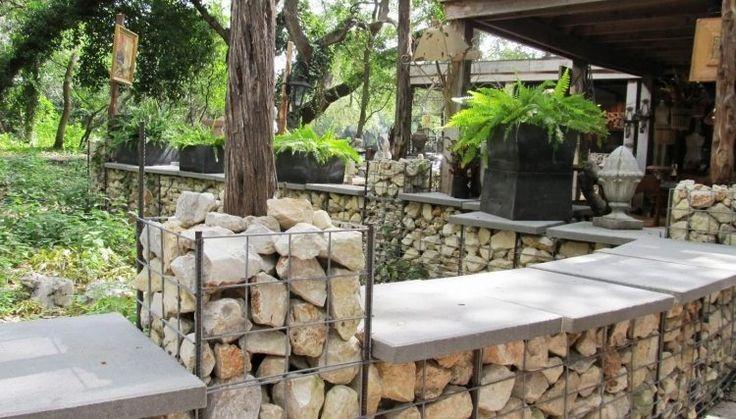 mur en gabion et applications du gabionnage dans le jardin d co et design. Black Bedroom Furniture Sets. Home Design Ideas