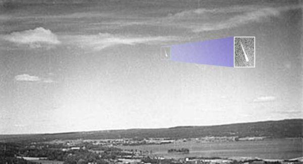 (adsbygoogle = window.adsbygoogle || []).push();   Los avistamientos de OVNIs no comenzaron en los Estados Unidos con el avistamiento de 1947 por Kenneth Arnold. Un año antes, oleadas de OVNIs se vieron en los países escandinavos como Suecia, Noruega, Dinamarca y Finlandia. Pero no...