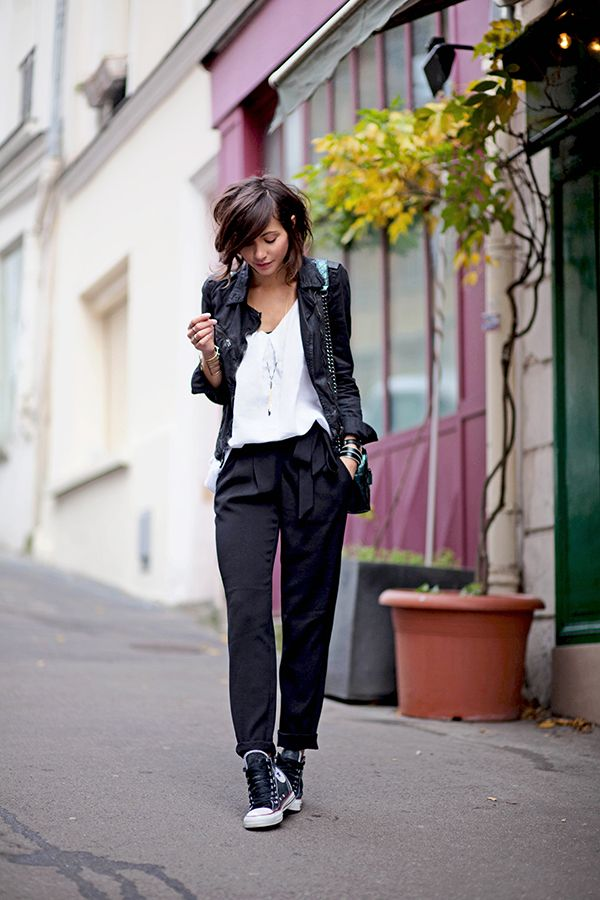 #whiteblouse #blackpants #leatherjacket