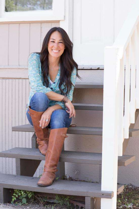 Hgtv Joanna Gaines Has An Estimated Net Worth Of 1 Million