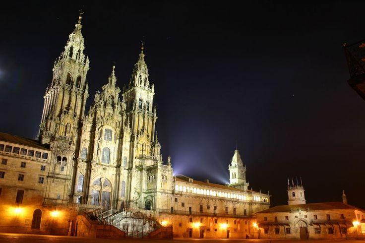 Vista nocturna de la Catedral de Santiago de Compostela (A Coruña)