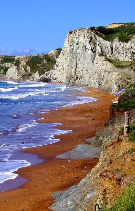 Xi beach - Kefalonia Island, Greece   Flickr - Photo by silvia07