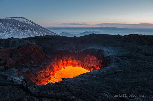 カムチャツカ半島の活火山とマグマ