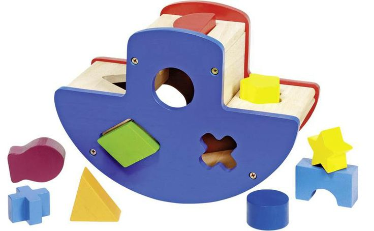 Natural and high quality toys to the development of the skills of children. Sort box ship