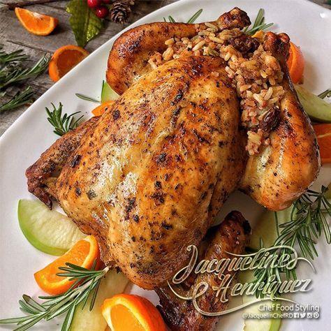 EmailTweet POLLO RELLENO DE ARROZ, PLÁTANOS MADUROS Y PATÉ Marzo 1, 2017 Ingredientes 1 Pollo de 3 a 3 ½ libras ¼ De taza de vino blanco 1 Cucharadita de sal ¼ De cucharadita de pimienta 3 Dientes de ajo…