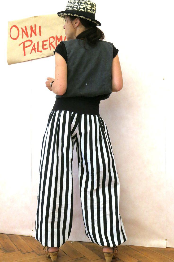 Gestreifte Pumphose schwarz weiß aus Baumwolle, Festivalhose, Hippie Hose, Hose mit Streifen, Bohemien, Hose mit weiten Beinen, Gypsy Hose von OnniPalermo auf Etsy
