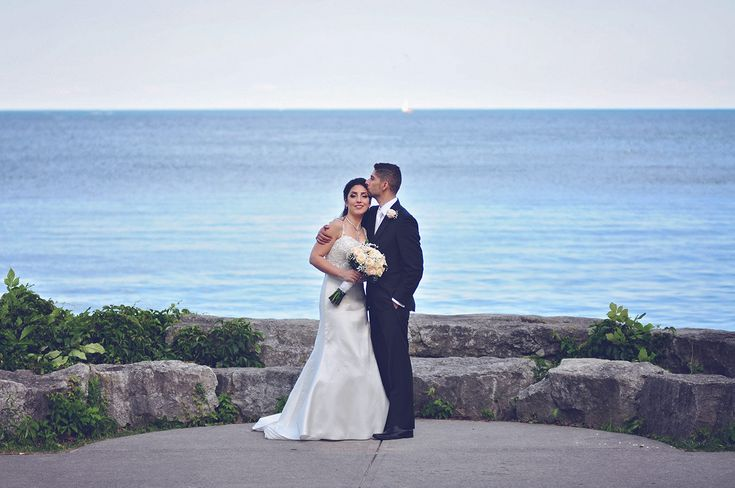 A wonderful and wonderful couple on the shore of the amazing Lake Ontario in Mississauga