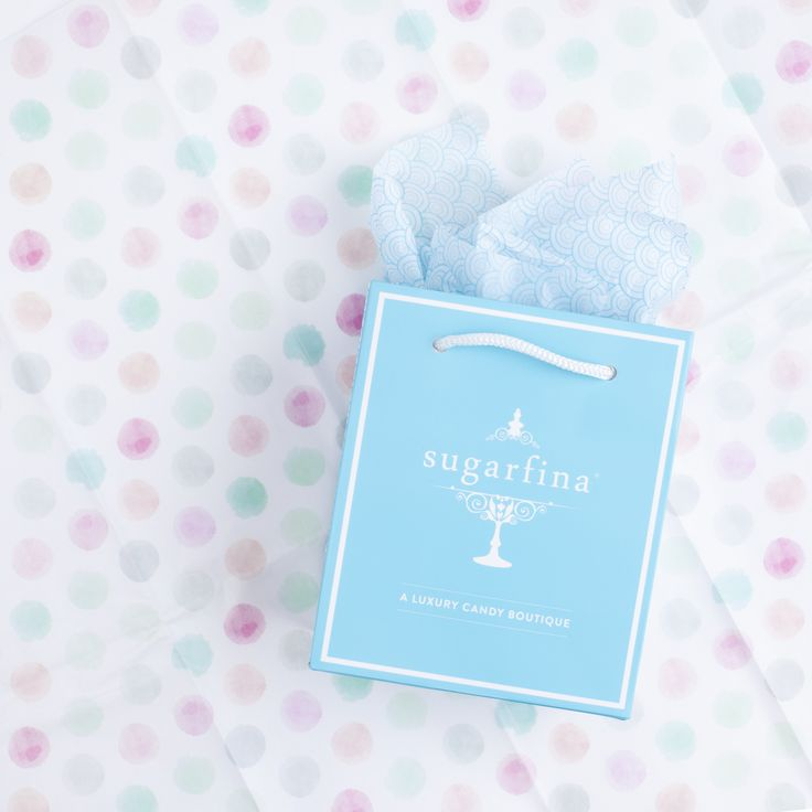 We bet there are super sweet treats inside this adorable giftbag! Visit your nearest Sugarfina boutique to get your hands on the cutest gifts for your family & friends!!