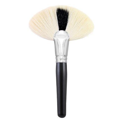 Morphe Brushes M143 Deluxe Soft Fan Brush