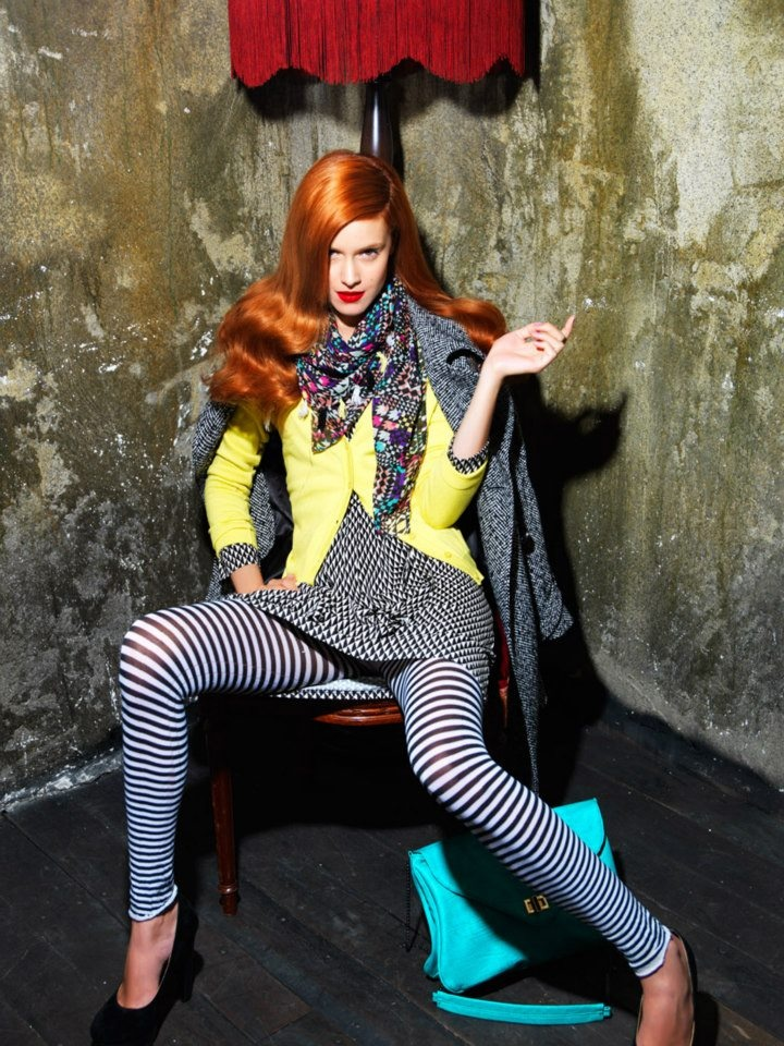 Legging with stripes, dress with geometrical patterns and tweed coat.