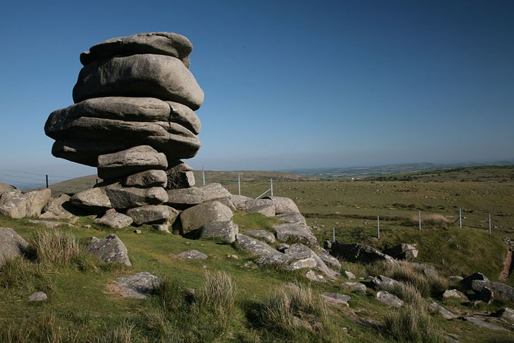 Cheesewring in Minions (Cornwall) on Bodmin Moor. The rock pile is completely natural and due to erosion.
