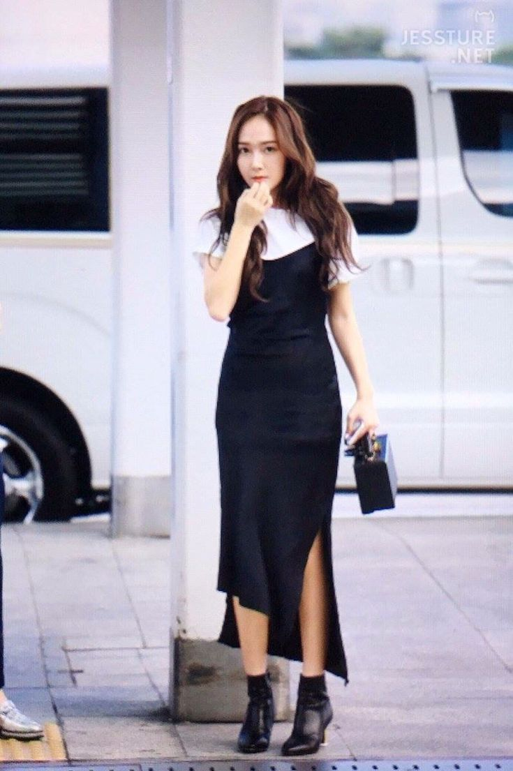 Krystal Jung Airport Fashion Images Galleries With A Bite