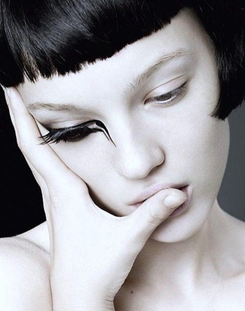 Artist unknown #makeup #face #portrait #beauty #black #white