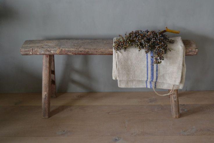 Oud houten bankje no1 woon accessoires decoraties house of harrison boomstam accessoires - Decoratie binnen veranda ...