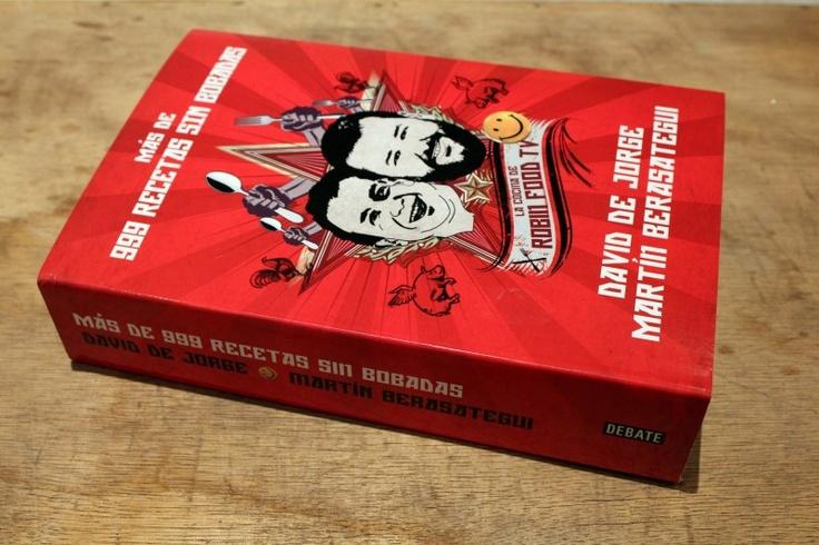 """Los cocineros David de Jorge y Martin Berasategui acaban de presentar su nuevo libro """"Más de 999 recetas sin bobadas""""."""