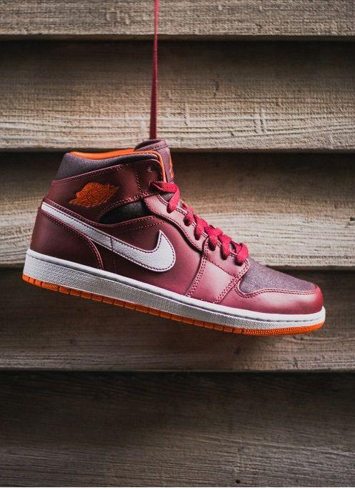 Nike Air Jordan 1 Mid: Team Red/Electric Orange