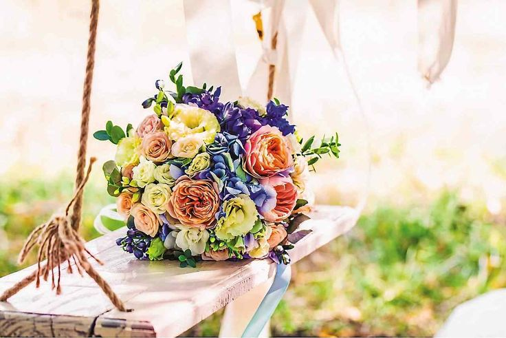How to incorporate flowers into your wedding