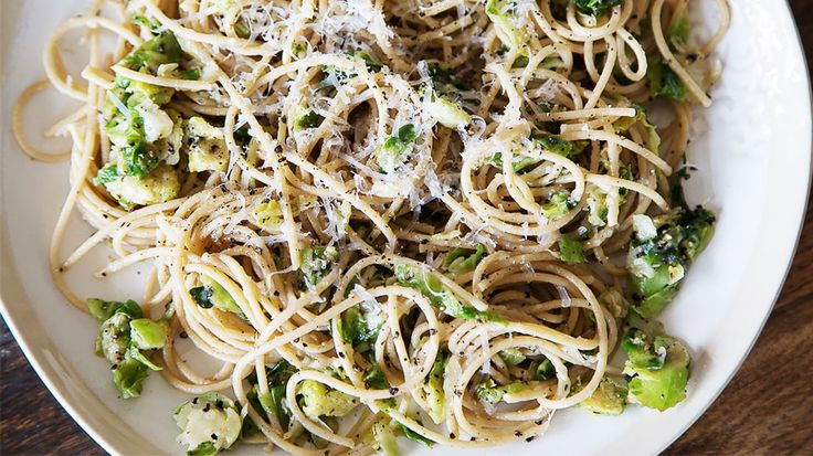 Brussels Sprouts Pasta // Gaby Dalkin shares a simple meal that's ready in 20 minutes: Brussels Sprouts Maine, Weeknight Recipes, Pasta Recipes, Pasta Brussels Sprouts, 20 Minute, Gabi Cooking, Brussels Sprouts Pasta, Favorite Recipes, Maine Recipe