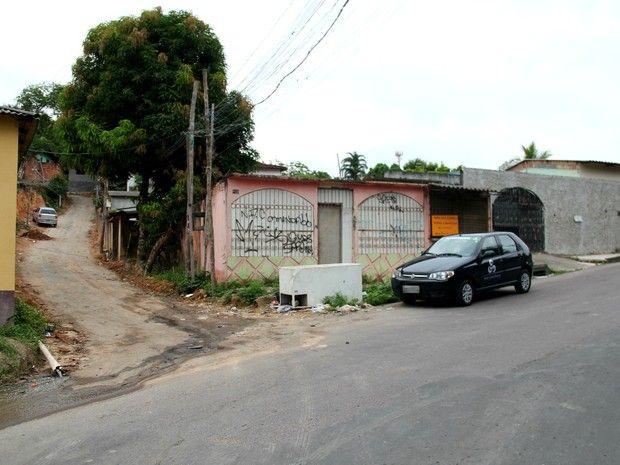 Homem é morto com dois tiros na cabeça na Zona Norte de Manaus - http://anoticiadodia.com/homem-e-morto-com-dois-tiros-na-cabeca-na-zona-norte-de-manaus/