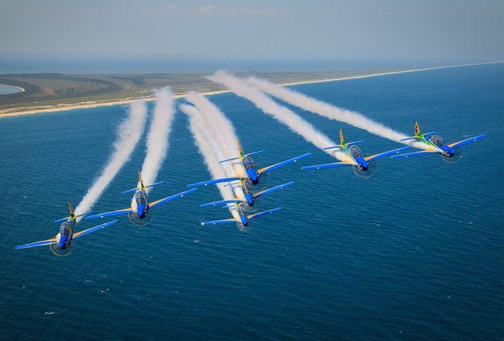 A nova Esquadrilha da Fumaça da Força Aérea Brasileira Foto de Bruno Batista