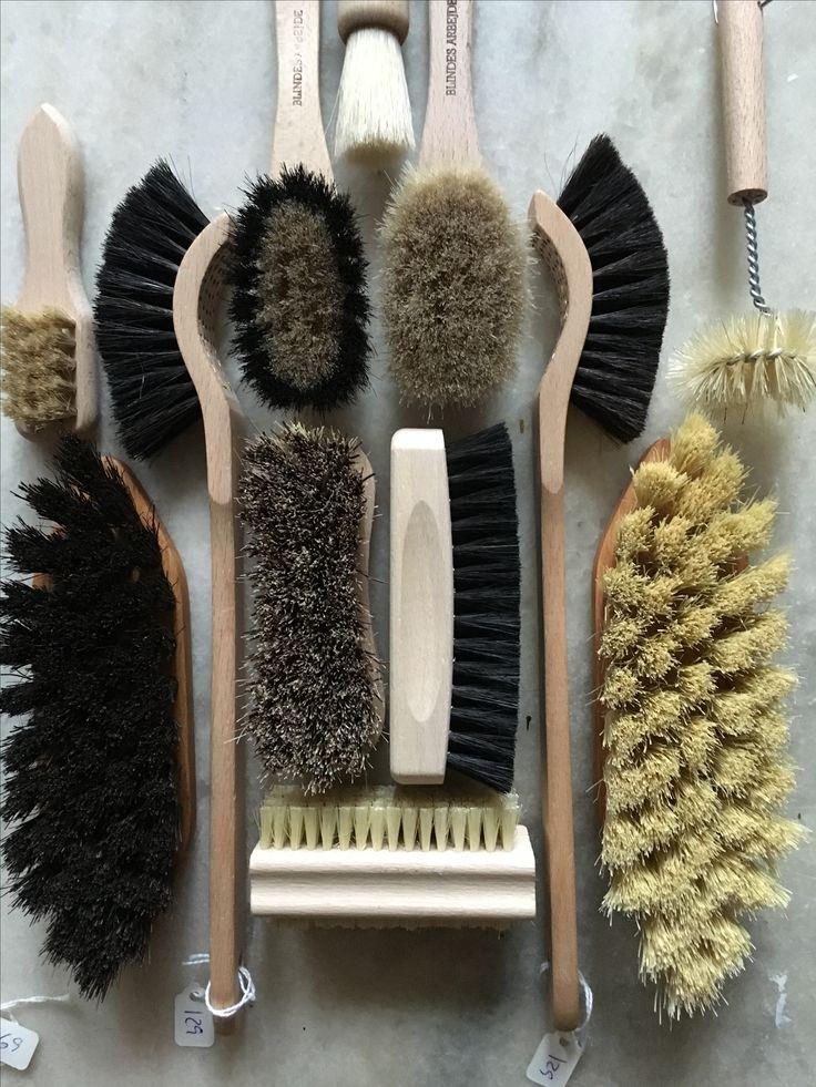 Vi kan bare ikke få nok børster.-  vores børster kommer fortrinsvis fra Blindes Arbejde. #blindes arbejde