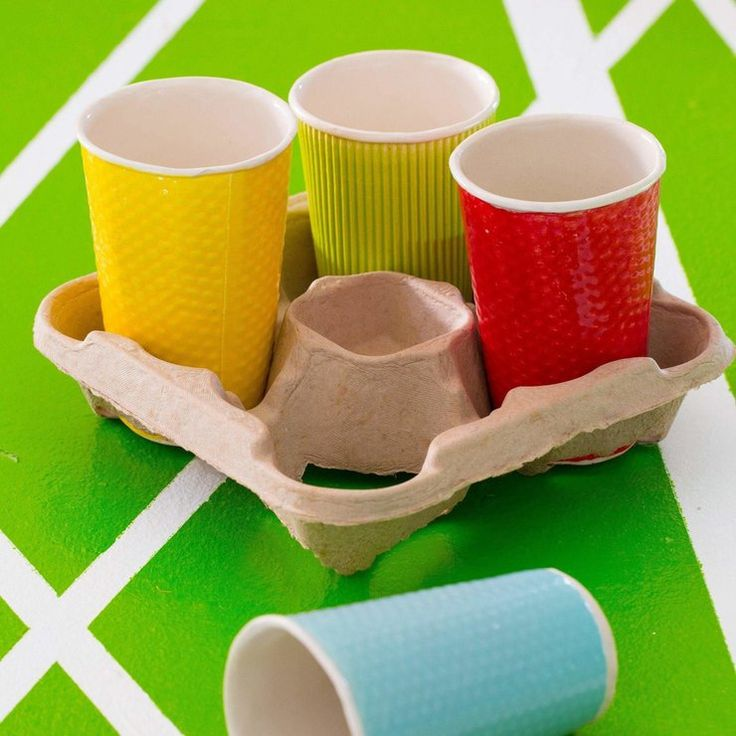 Textured ceramic cups by Patat Design/Ontwerp