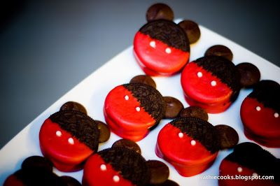 My son decided he wanted a Mickey Mouse theme for his 3rd birthday party this past January. For today's post, I want to show you these adora...