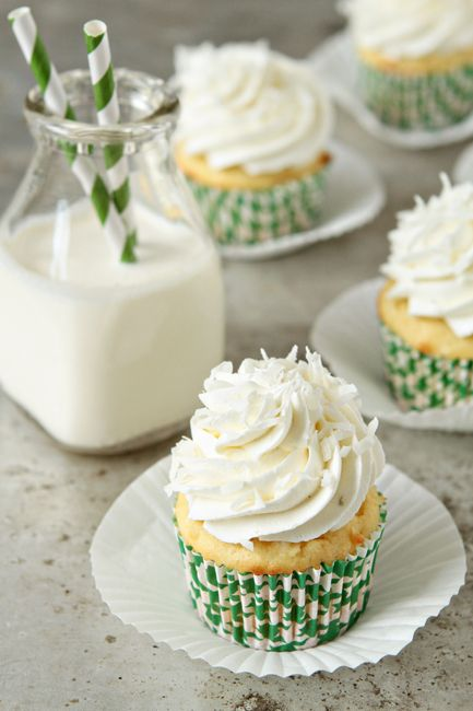 Coconut Cupcakes with Lime Buttercream.: Cakes Mixed, Baking Addiction, Limes Buttercream, Coconut Milk, Cupcakes Recipes, Coconut Cupcakes, Buttercream Frostings, Cups Cakes, Buttercream Cupcakes
