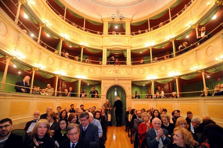 Milano, i burattini dei Colla riaprono il teatro Gerolamo