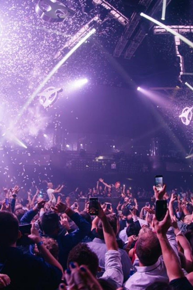 How To Get On The Guest List In Vegas