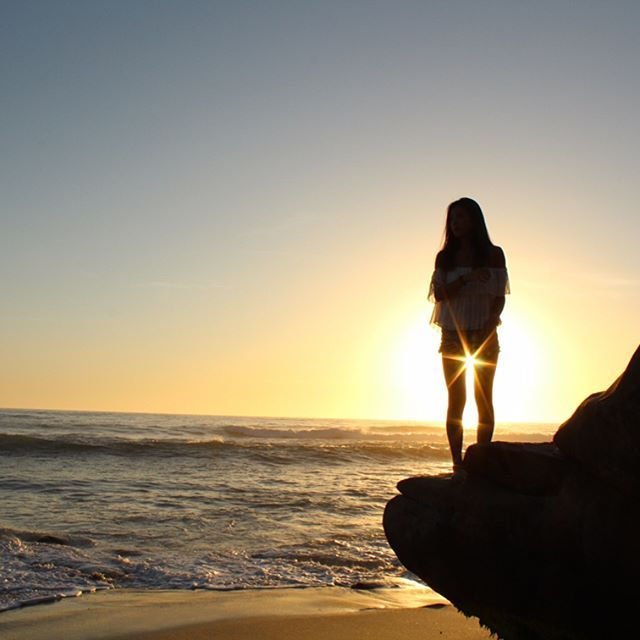 I'll show you where the sun don't shine...sun silhouettes unfiltered shot on ye old Canon Rebel. #lajollalocals #sandiegoconnection #sdlocals - posted by tyler pultro  https://www.instagram.com/ty_pultzee. See more post on La Jolla at http://LaJollaLocals.com