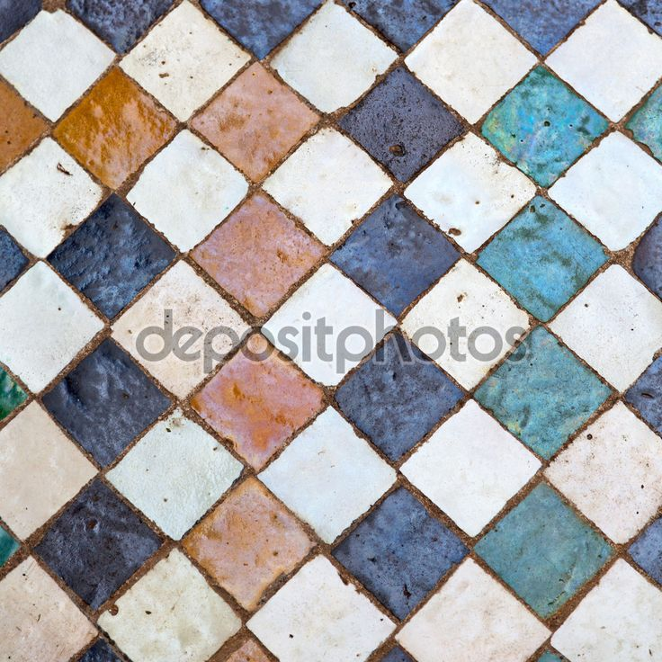 Baixar - Linha em Marrocos África antiga telha e cor piso cerâmico abst — Imagem de Stock #86510460