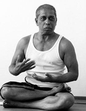Entrevista con Manju Jois, maestro de Ashtanga Vinyasa Yoga, e hijo mayor de Pattabhi Jois, ilustre creador de este estilo.