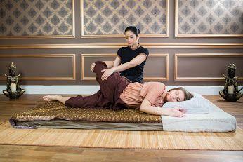 Zapraszamy Cię na kojący, relaksujący i leczniczy #tajski #masaż do salonu #Tajskie #Spa Centrum-Nowy Świat  Warszawa, ul. Nowy Świat 55 lok. 3 (1 piętro)  E-mail: salon@mythaispa.pl Telefon: +48 799 111 997 Salon czynny: poniedziałek-niedziela 12:00-22:00