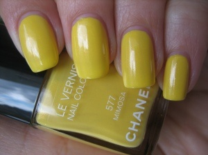 CHANEL – Le Vernis #577 Mimosa and #557 Morning Rose: Vernis 577, Varnish, Diva S Closet, 557 Morning, Beautiful Faces, Fashion Stuff