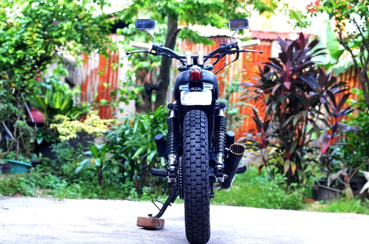 "nicee Honda GL III / Megapro 2005  ""Silver Cash""  Custom by  "" DWellners KustomSlaughter """
