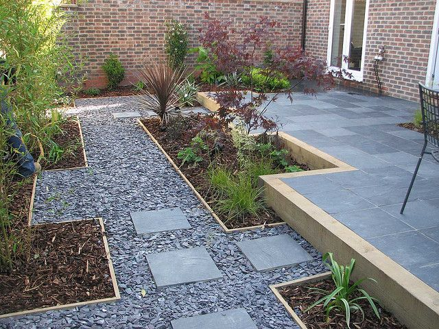 Blue slate chipping path by modular garden paving for Surface design landscape
