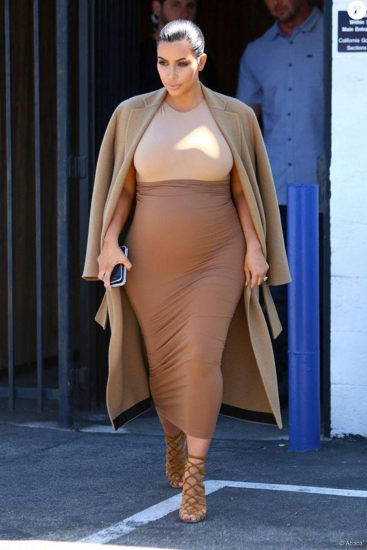 Kim Kardashian, enceinte, quitte un studio de tournage à Van Nuys. Los Angeles, le 31 août 2015.