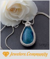 EDITOR'S CHOICE (05/09/2016) Blue Rose by Magenta View details here: http://jewelers.community/creations/3710-blue-rose