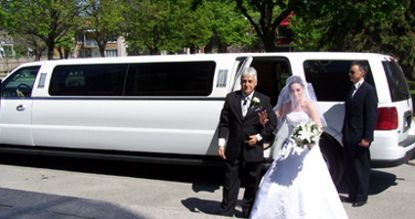 Wedding Toronto Limousine makes your wedding day more colorful as you dream.