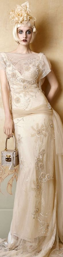 Yolan Cris 2013 - not crazy about the model and styling, but that dress is just all sorts of gorgeous!
