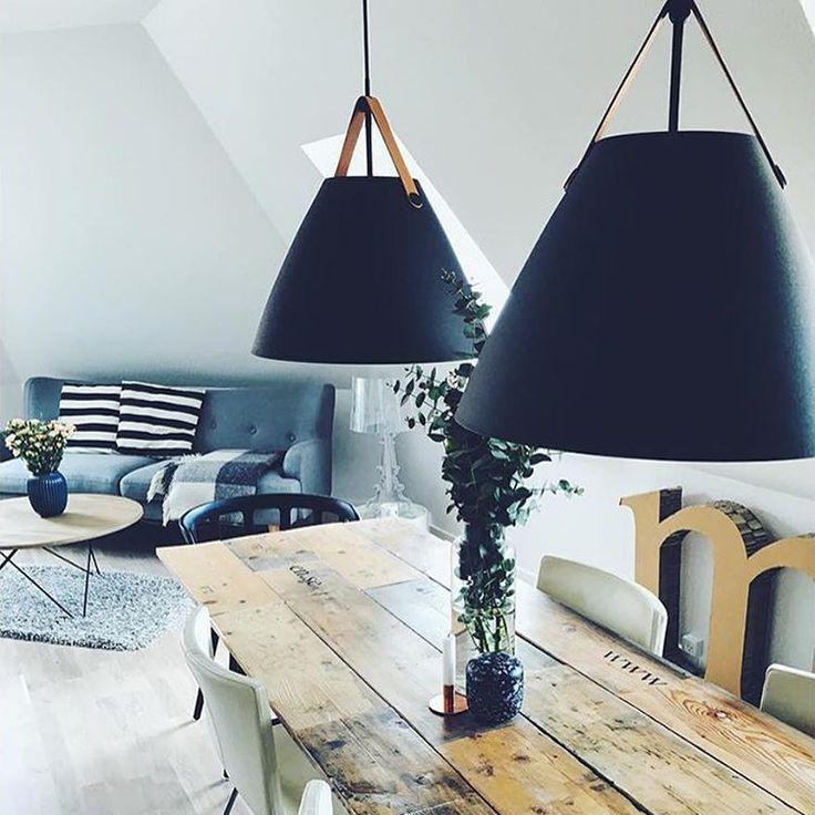 Taklampan Strap från Nordlux har en stilren industri design.
