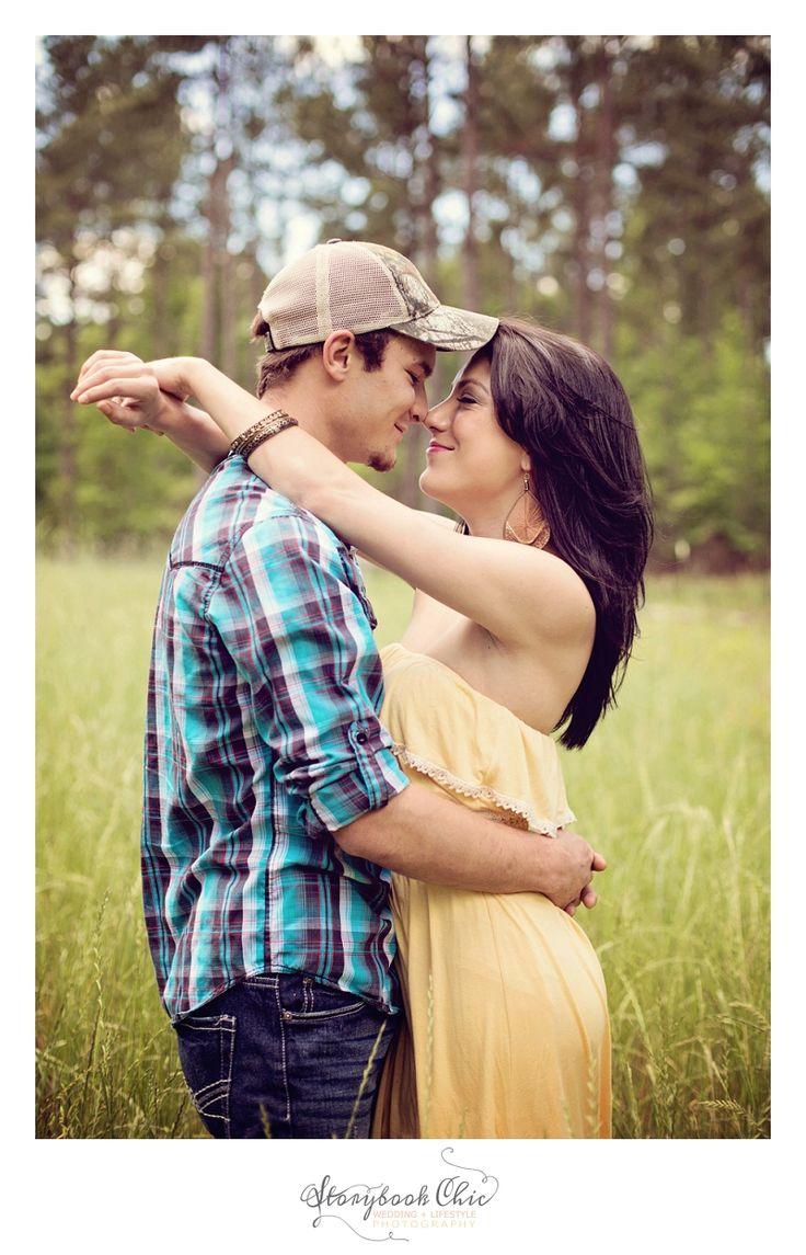 super sweet couple photo shoot #rustic #photography