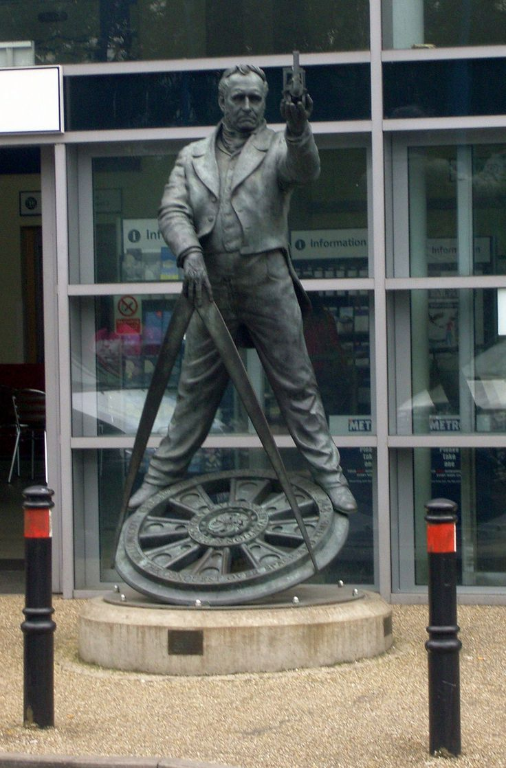 Statue of George Stephenson at Chesterfield Railway Station, Derbyshire, UK