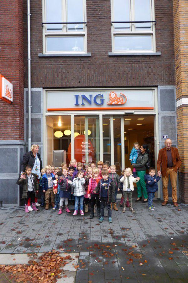De OB van @De_Lichtstraat heeft deze week een bezoek gebracht aan de ING, de supermarkt en een schoenwinkel! #Jeelo