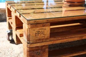 Comment faire une table basse avec des palettes #maison #decoration