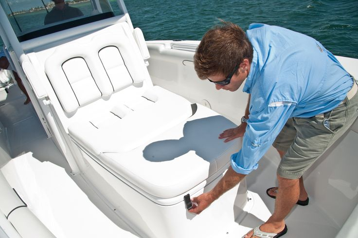 19 best ultra 225 2015 images on pinterest boating for Best boat for fishing and family